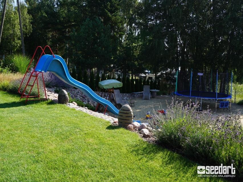 Seedart_projekt placu zabaw dla dzieci w ogrodzie_projektowanie ogrodów i tarasów Toruń Bydgoszcz